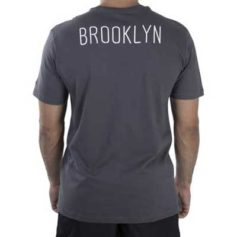 CAMISETA NEW ERA NBA BROOKLYN NETS CINZA ESCURA